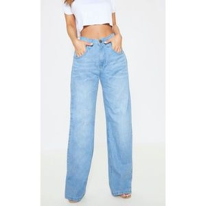 Pretty Little thing Extreme Wide Leg Jeans NWT